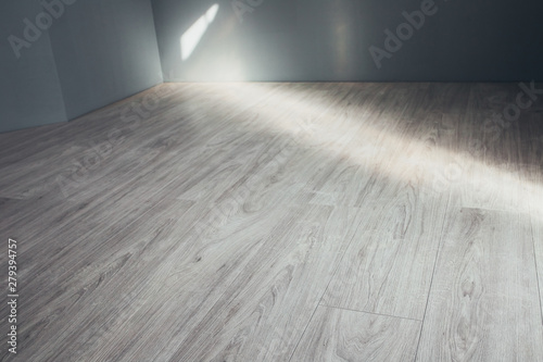 Fotografía  Floating floor - laminate in the interior of a country house - wood imitation -