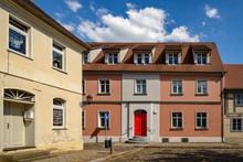 Haus Mit Roter Tür Am Markt I...