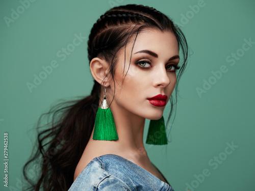 Fototapeta Brunette girl with perfect makeup