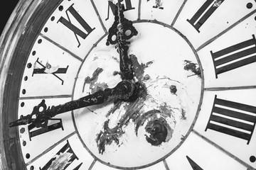 Vintage clock in monotone.I...