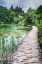 Jezero S Křišťálově čist...