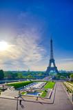 Fototapeta Fototapety z wieżą Eiffla - A view of the Eiffel Tower from the Jardins du Trocadero in Paris, France.