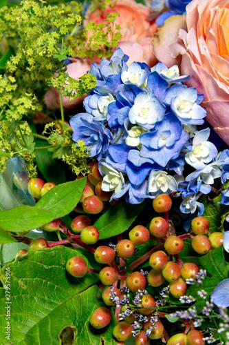 Fototapety, obrazy: Flower arrangements in a basket in early summer