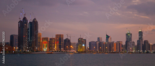 Photo Crucero en el Emirato de Abu Dabhi, Emiratos Árabes Unidos, Golfo Pérsico