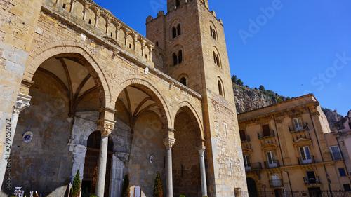 Fototapeta Cefalu, Sycylia, Włochy, zabytki, stare miasto, uliczki obraz