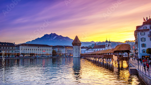 Fototapeta Lucerne, Switzerland; 11/01/2017; Historic city center with its famous Chapel Bridge and Mt