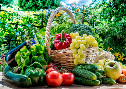 Poster de jardin Cuisine Variety of fresh organic vegetables and fruits in the garden