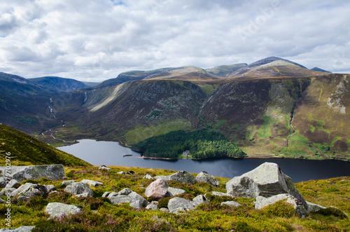 Ausblick auf den Loch Muick Fototapeta