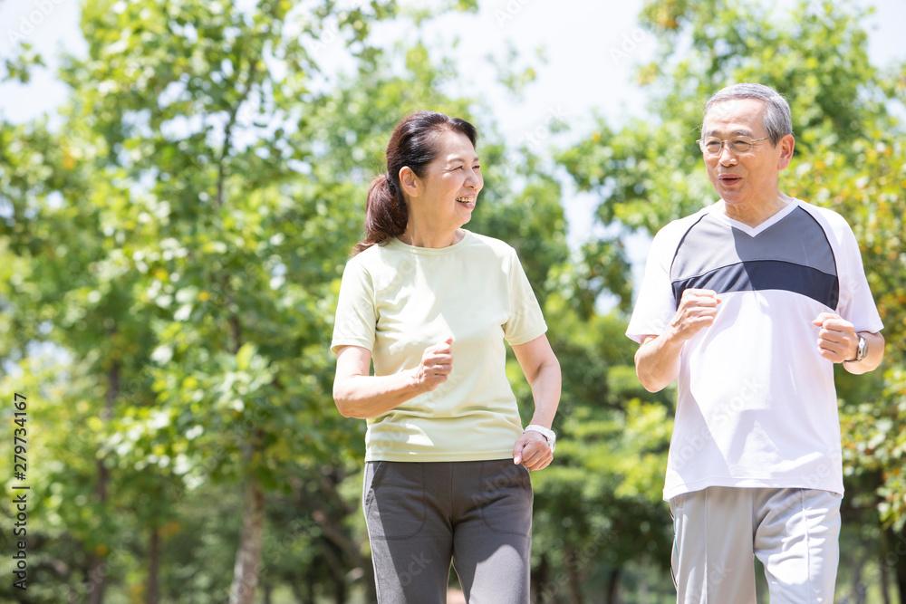 Fototapety, obrazy: ジョギングするシニアカップル