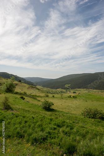 Foto auf Gartenposter Hugel Mountains of Valdelinares a day of Summer