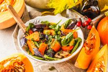 Autumn Salad With Baked Pumpki...