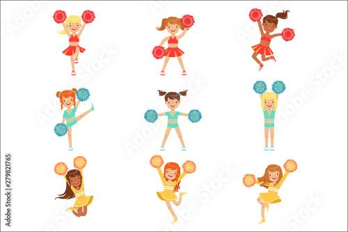 Cuadros en Lienzo Primary School Little Girls In Cheerleaders Uniform Cheering And Cheerleading Wi