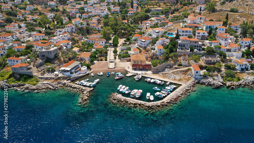 Poster Cote Aerial drone photo of small picturesque seaside fishing village of Kamini in picturesque island of Ydra or Hydra, Saronic gulf, Greece