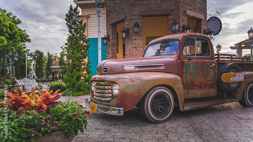 Cadres-photo bureau Vintage voitures Parking Rusty Old Car Collection