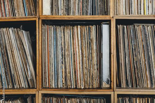 Spoed Foto op Canvas Muziekwinkel Front close-up of shelf with vinyl records