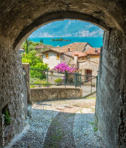 Photo  Idyllic view at Cassone di Malcesine, beautiful village on Lake Garda