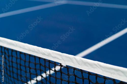 Cuadros en Lienzo diagonal net of tennis with white stripe in blue hard court, tennis compettion c
