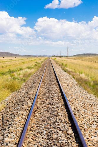 Cadres-photo bureau Voies ferrées railway track in countryside rural farmland area of South Africa