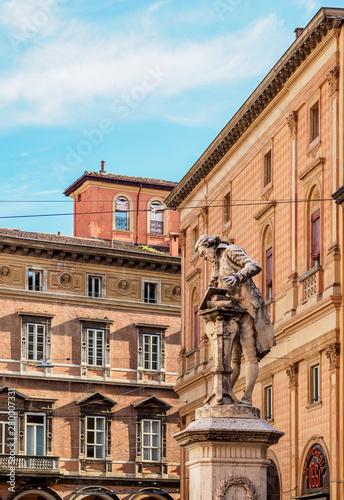 Statue of Luigi Galvani, Piazza Galvani, Bologna, Emilia-Romagna, Italy Tableau sur Toile