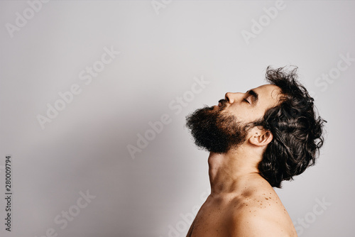 Fototapeta  bearded man gesturing
