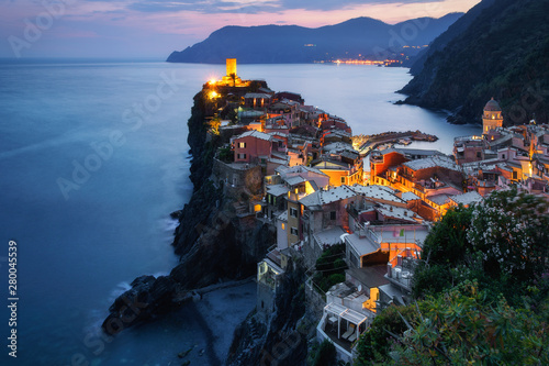 Fototapety, obrazy: Vernazza town in Cinque Terre in the dusk, Italy