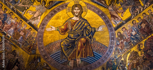 Fotografia Magnificent mosaic ceiling of the Baptistry of San Giovanni, Florence, Tuscany,