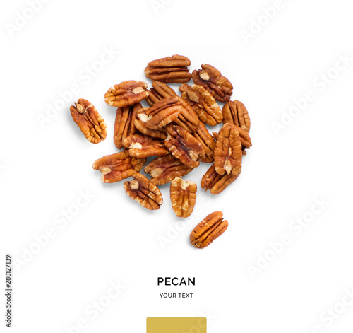 Pinturas sobre lienzo  Creative layout made of pecan nuts on white background