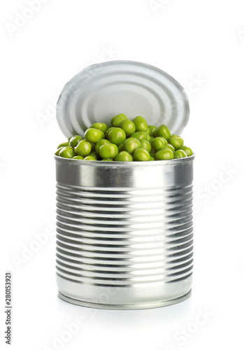 Tin can with peas on white background Fotobehang