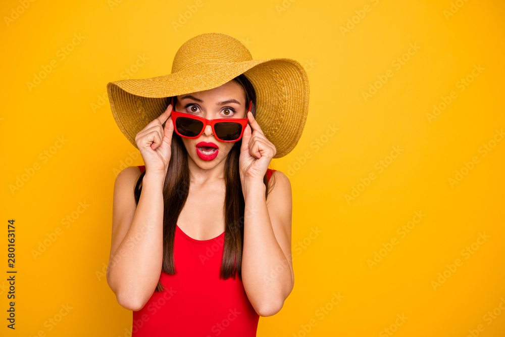 Fototapety, obrazy: Photo of amazing lady bright lipstick nice colorful look came seaside trip voyage staring cold water ocean oh no wear specs sun hat red swimming suit isolated yellow background