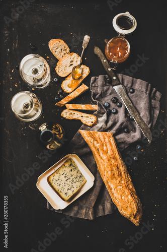 Fototapeta Wine and snack set