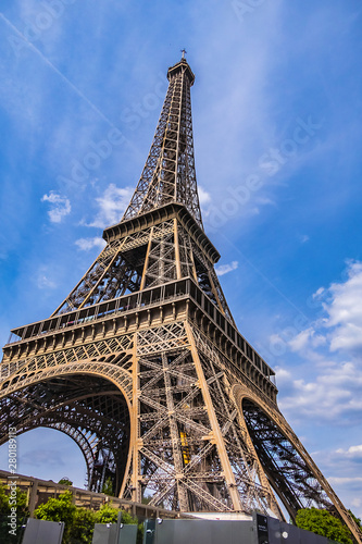 Photo  A picturesque view of Famous Eiffel Tower in Paris