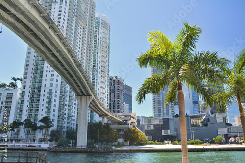 Obraz na plátne  Miami bridge over the river in Brickell.