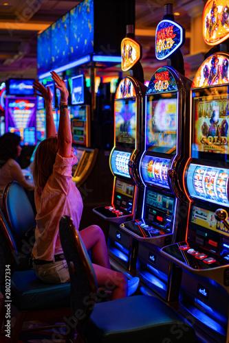 Fotografia girl in a casino in Las Vegas,