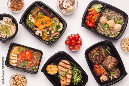 Fototapeta Restaurant healthy food delivery in take away boxes obraz