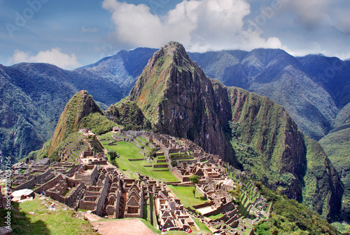 Poster Oude gebouw Machu Picchu or Machu Pikchu Quechua machu old, old person, pikchu pyramid; mountain or prominence with a broad base which ends in sharp peaks