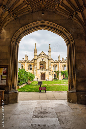 Leinwand Poster Corpus Christ College - looking in through the main gate