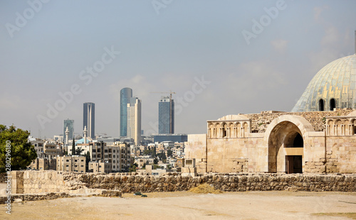 Photo A view of downtown Amman, Jordan, from the ancient hilltop citadel