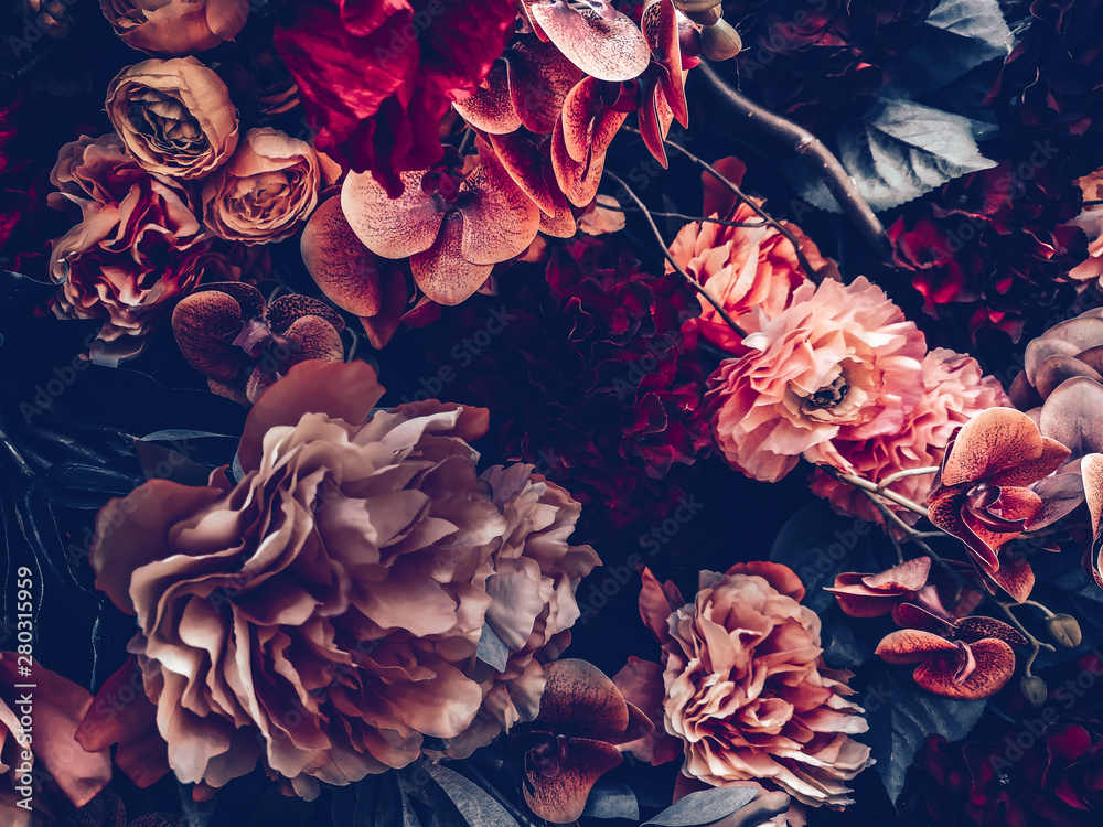 Fototapety, obrazy: artificial flowers wall background with vintage style