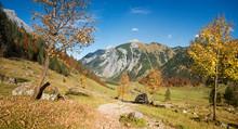 Wunderschöner Wanderweg Vom Hohljoch Zu Den Eng-Almen Im Karwendel
