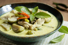 Thai Chicken Green Curry With Eggplant