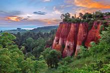 Roussillon, Provence, France: ...