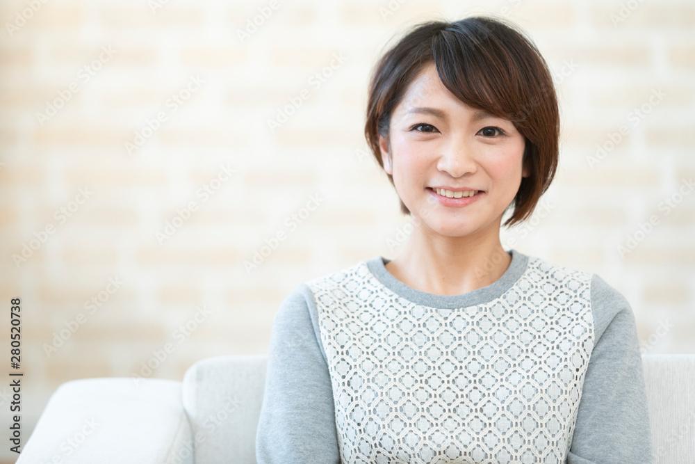 Fototapeta 笑顔の日本人女性
