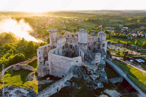 Keuken foto achterwand Oude gebouw medieval castle ruins located in Ogrodzieniec, Poland