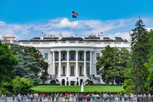Toursits Crowd White House Col...