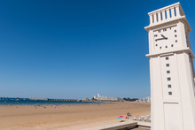 L'horloge Du Remblai Des Sables D'Olonne En Vendée
