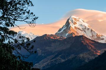 FototapetaAnapurna Sur, detalle de pico al atardecer. belleza y naturaleza. Paisajes increíbles