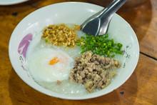 Healthy Breakfast Of Oatmeal P...