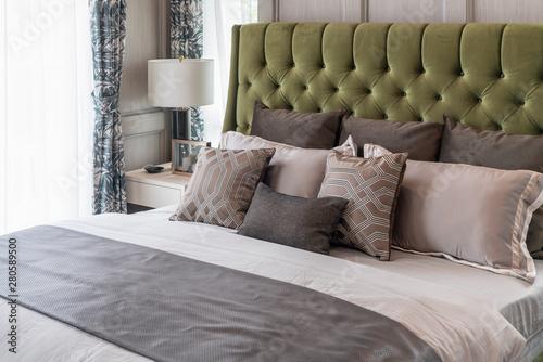 Obraz na plátně classic bedroom style