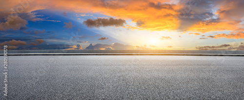 Deurstickers Grijs Asphalt highway and beautiful clouds landscape at sunset