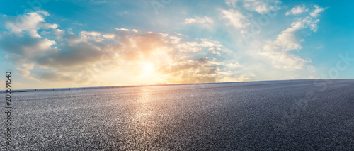 fototapeta na ścianę Asphalt highway and beautiful clouds landscape at sunset
